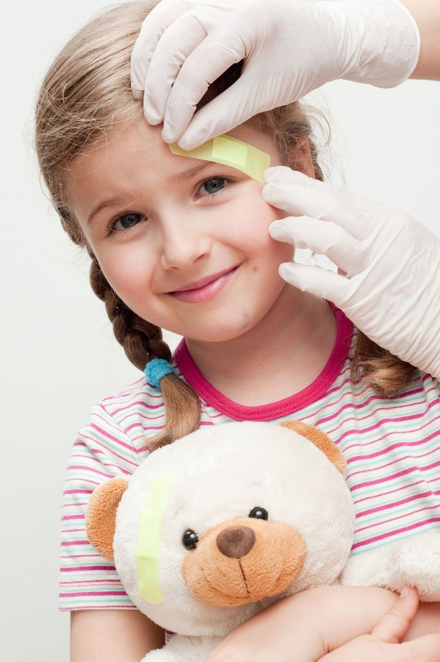 Learn How To Deal with Child Head Injuries through First Aid